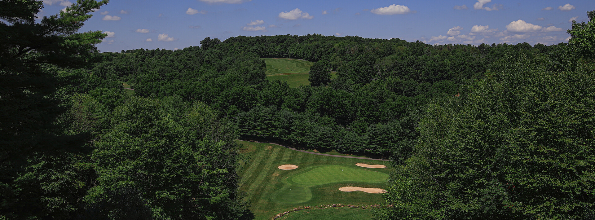 A photo of a Hideaway Hills hole from above